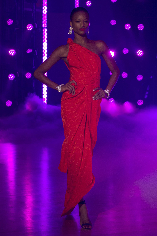 Brandon Maxwell ассиметричное платье на одно плечо 2019 ярко-красного цвета