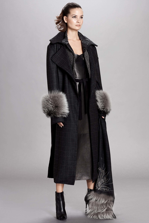 Dennis Basso модное пальто в клетку с меховой отделкой 2019