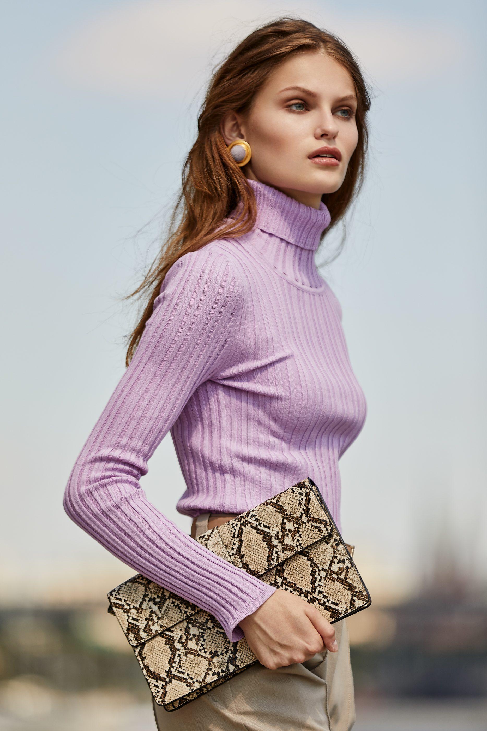 I AM Studio нежно- фиолетового цвета трикотажный свитерок 2019