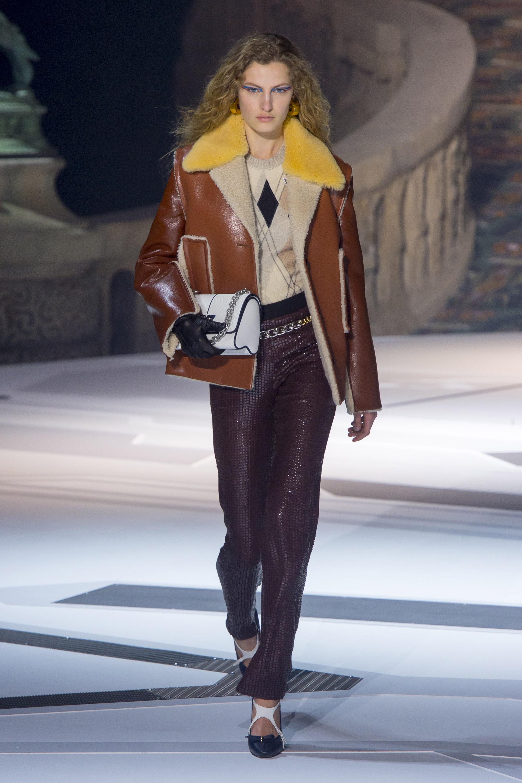 Louis-Vuitton коричневого цвета куртка-дубленка 2019 с желтым воротником