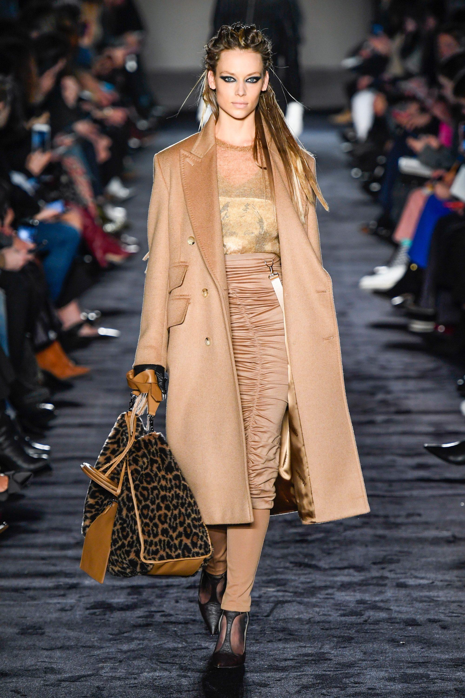 Max Mara бежевое пальто 2019 с необычной модной юбкой с сборками