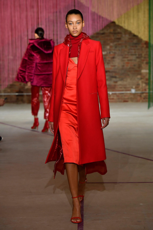 Milly ярко-красного цвета пальто 2019 и платье красно-оражевого цвета