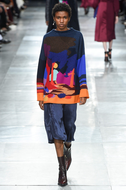 Paul Smith вязаная кофта с разноцветным рисунком 2019 с шелковой синего цвета юбкой