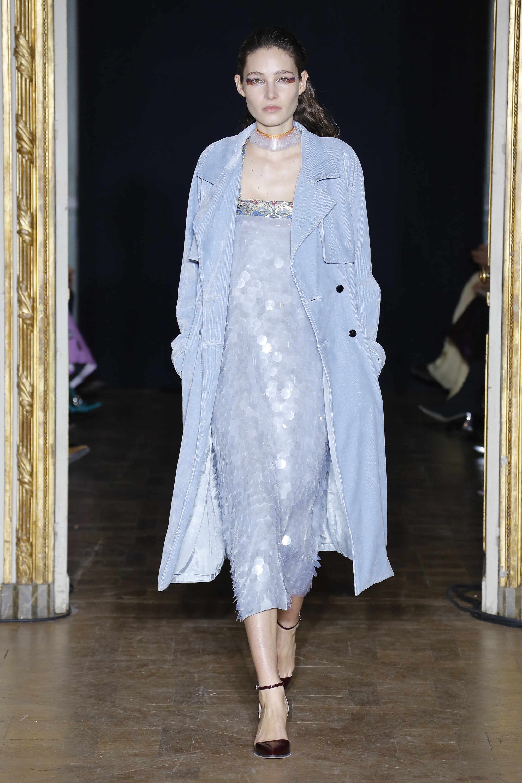 Rahul Mishra нежно-голубое женское пальто 2019