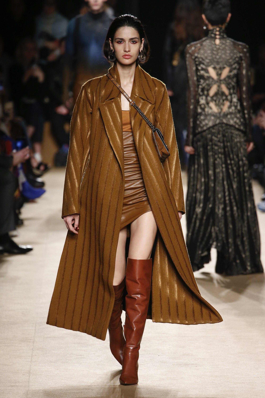 Roberto Cavalli необычное коричневое женское пальто 2019 в полоску