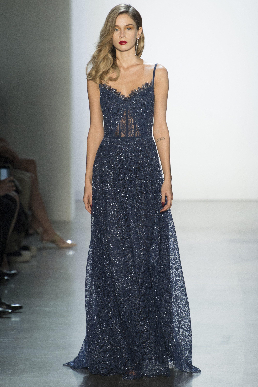 Tadashi Shoji длинное кружевное платье серо-синего цвета 2019 на тонких бретельках