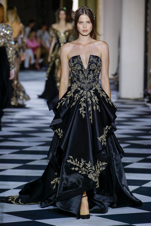 Zuhair Murad черное длинное платье декольте 2019 с роскошным рисунком