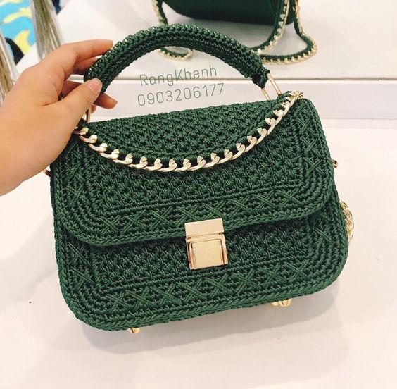 Зеленая вязаная сумка фото