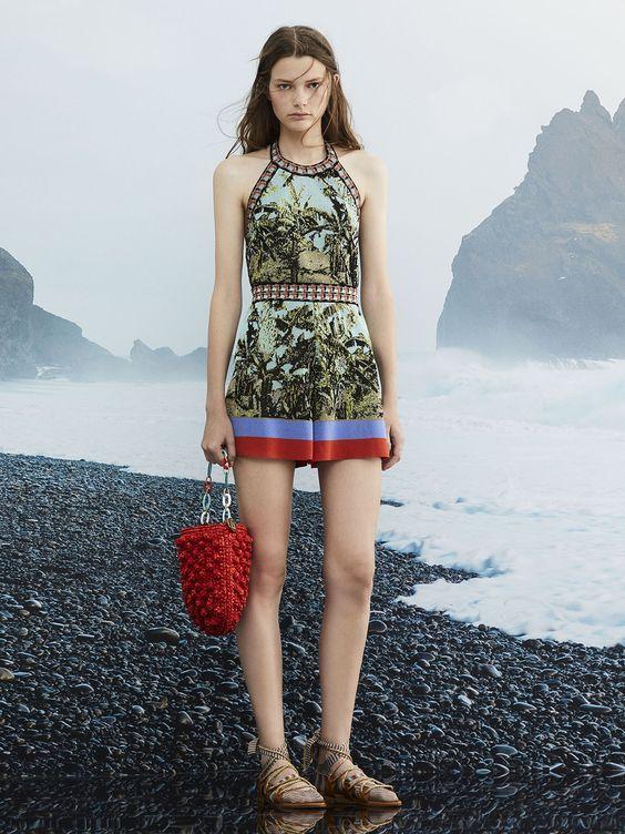 Модная красная вязаная сумка с шишками - узор крючком попкорн