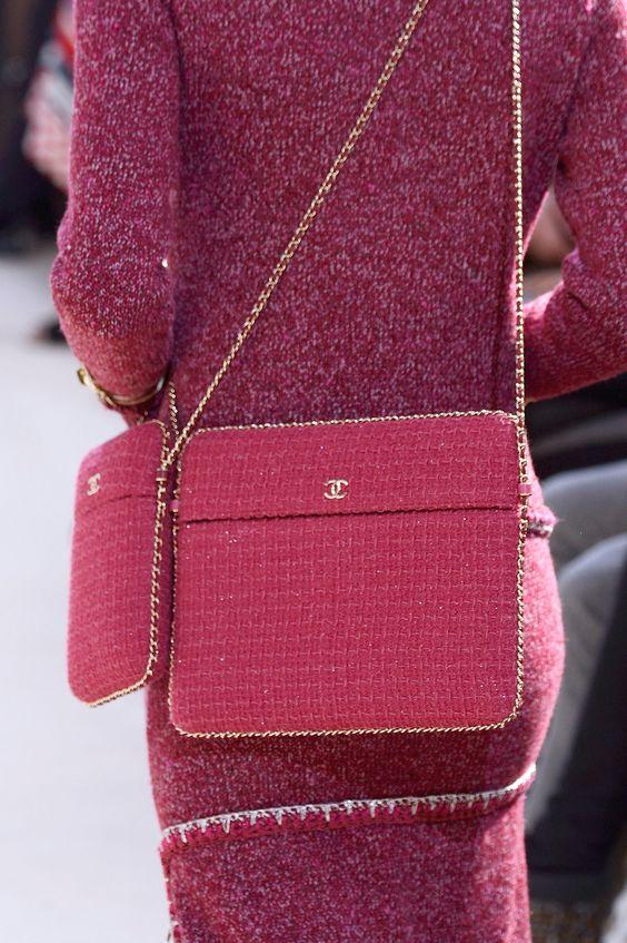 Розовая вязаная сумка модель планшета