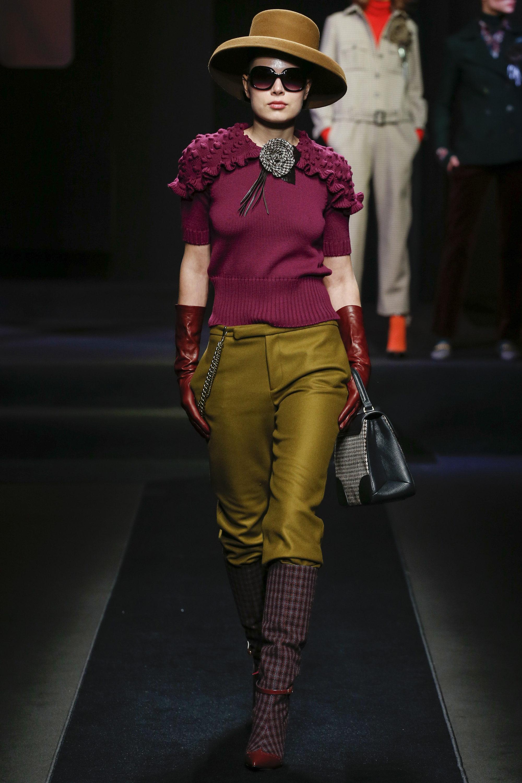 Daks модная кофта 2019 с рюшами красивого нежно бордового цвета