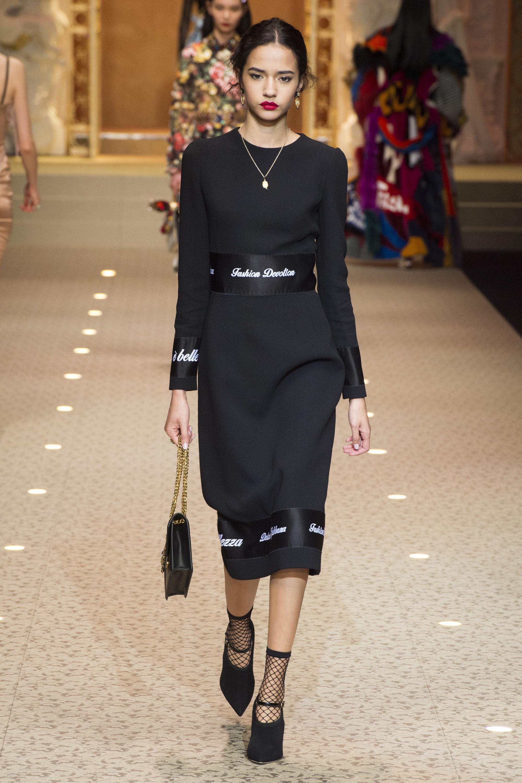 Dolce & Gabbana черное платье 2019 с принтом в виде записей