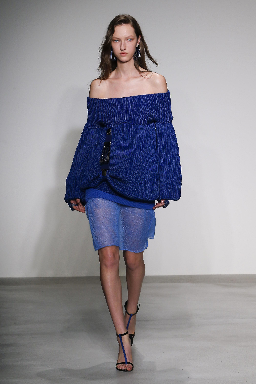 Krizia модная кофта с оголенными плечами 2019 синего цвета
