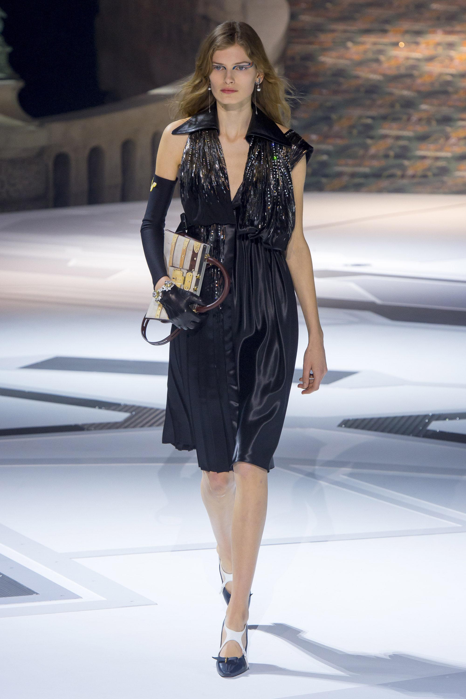 Louis-Vuitton черное атласное платье 2019 с пайетками