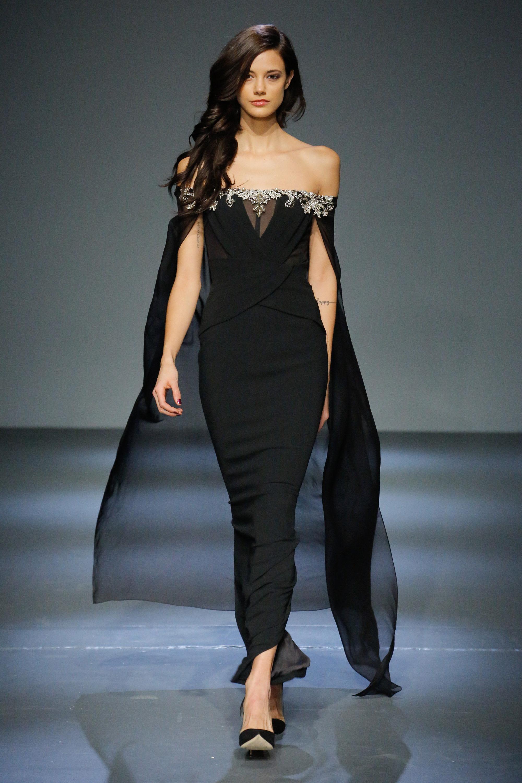 Pamella Roland черное платье-рыбка 2019 расшитое по линии декольте