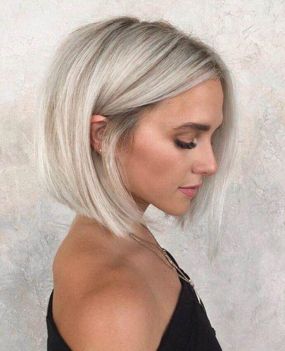 модное каре без челки, хорошо подходит для объемных волос