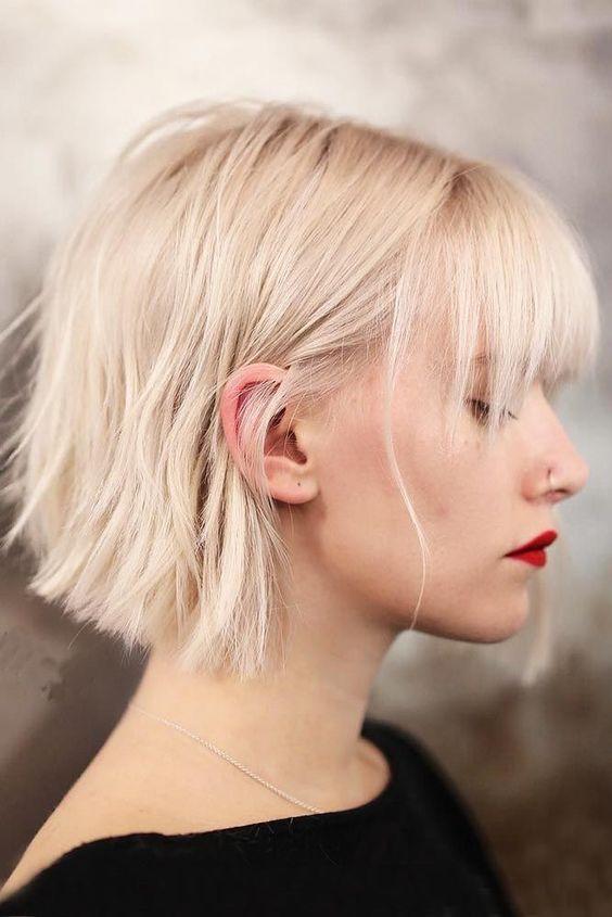 Модное короткое каре 2020 с прямой челкой - фото тенденции стрижек
