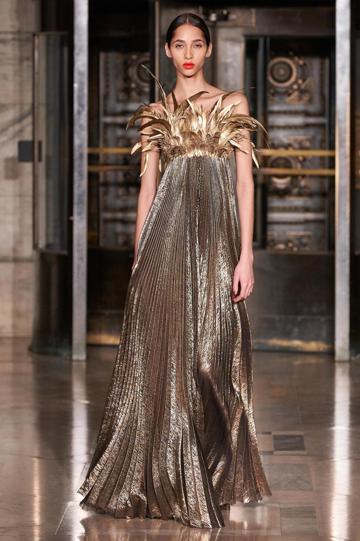 Вечерние платья — зима 2021